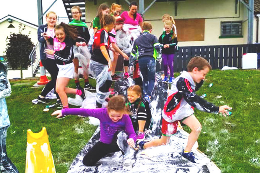 PlayBoard Latest News: Play Participation - Shaving Foam Fight