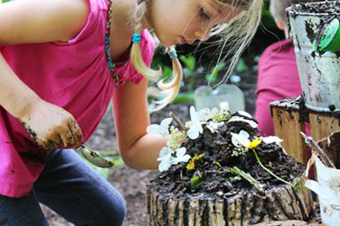 Play Matters - Playing With Nature, Mud And Getting Dirty - Mud Art